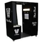 Soundwaves Entertainment-Bird In Hand Photo Booths
